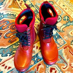 Red BOGS waterproof rain/snow boots